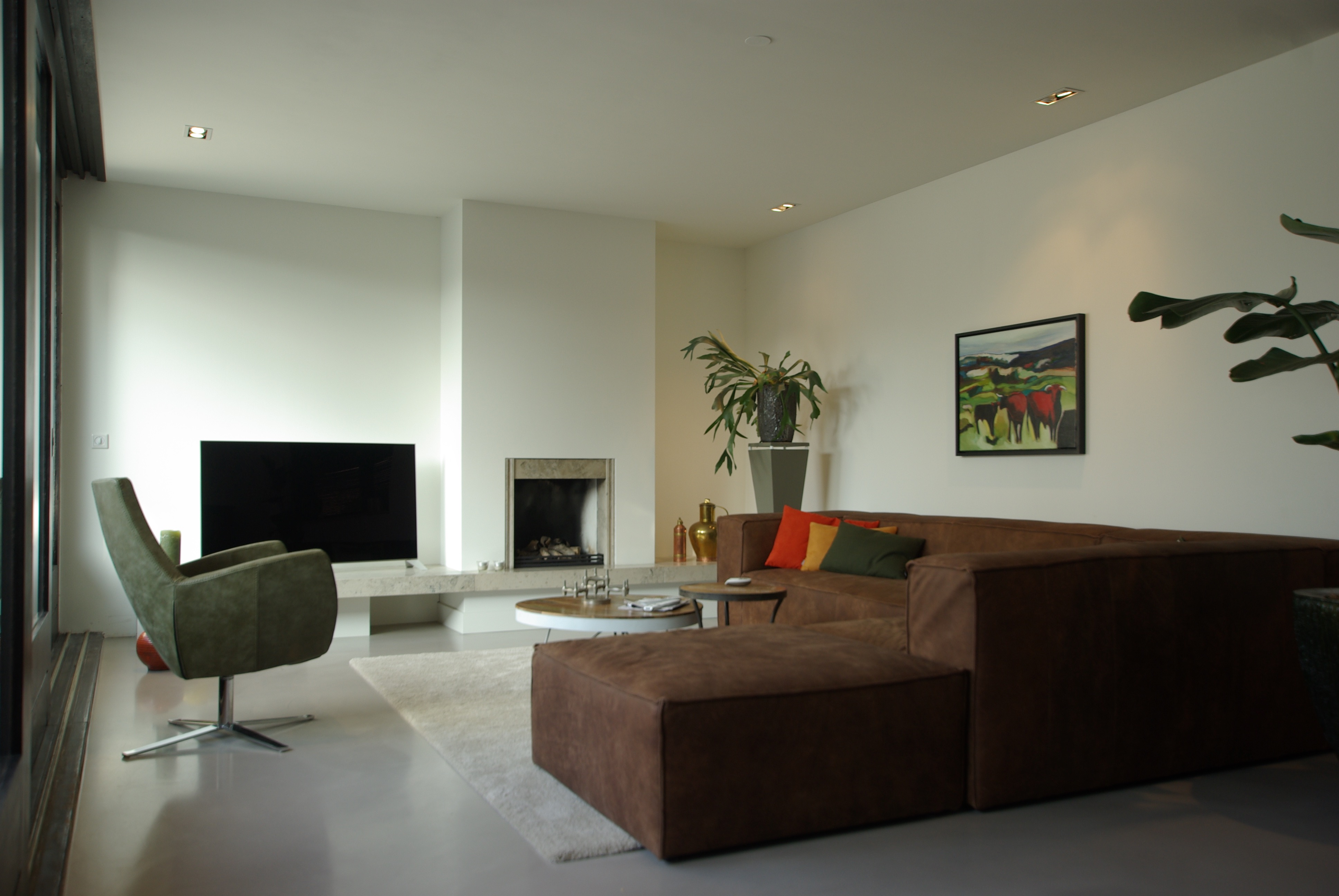 grote, ruime woonkamer muren en plafond gestukt - pro stuk, Deco ideeën